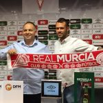 Santi Jara firma por el Real Murcia